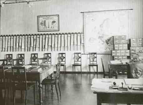 Riigiraamatukogu lugemistoa mööbel 1927.aastal